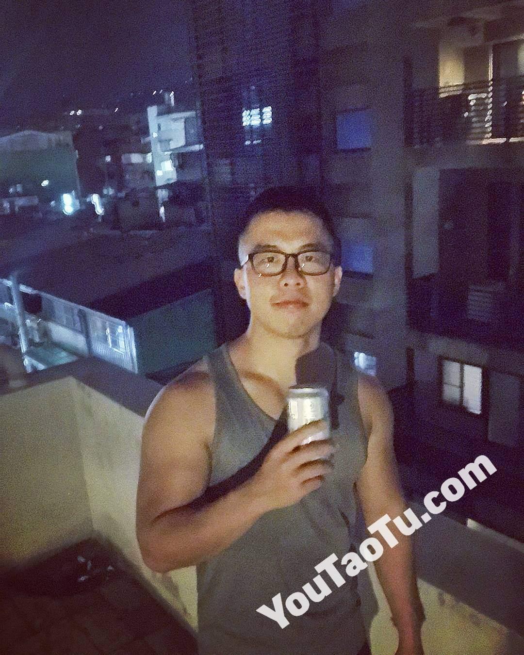 NAA09健身男神套图生活照598照片+81视频-1