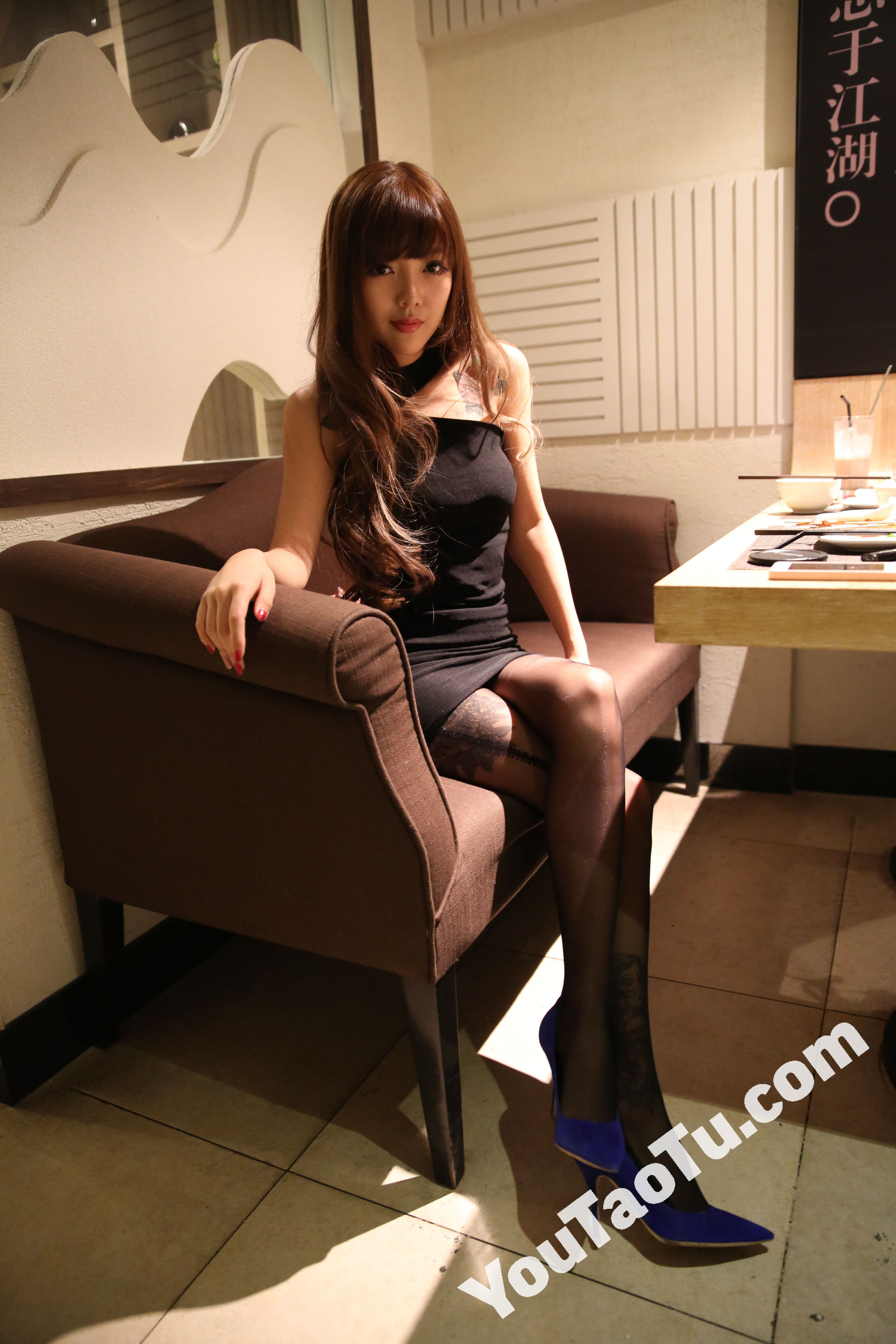 ZZ04_1868图 美腿带纹身好身材美女生活照素材套图-4