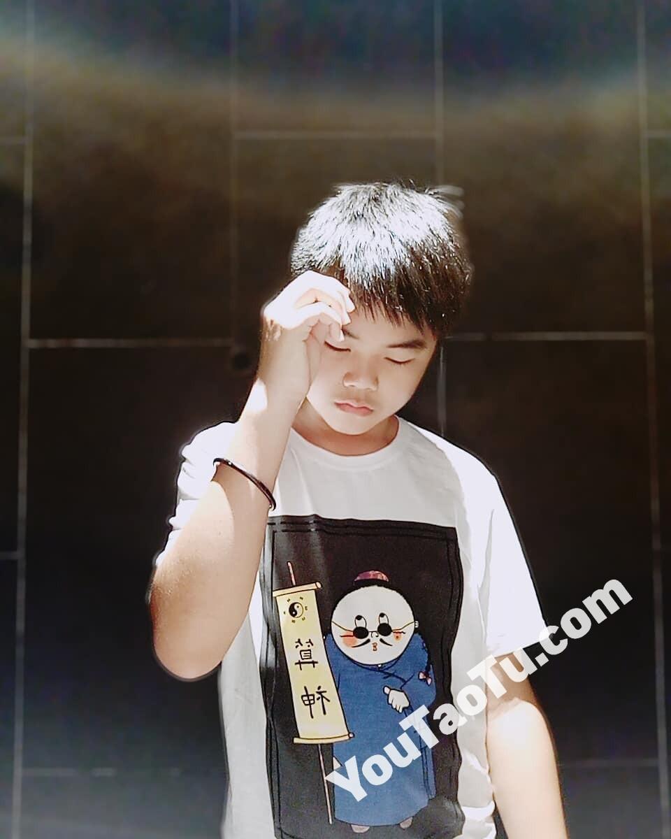 M08男图116照片(小年轻小男生小男孩同一个人真实素材)-6