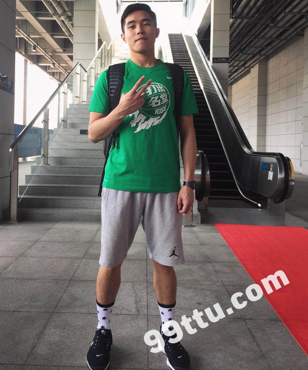 M09男图210照片+3视频(年轻帅哥学生男神爱好篮球好身材真实男士青年)-12