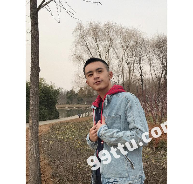 M36_男套图415照片(小年轻爱旅游小青年同一个人形象照素材朋友圈男神图片组)-3