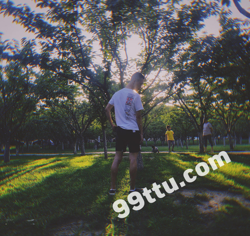 M36_男套图415照片(小年轻爱旅游小青年同一个人形象照素材朋友圈男神图片组)-9