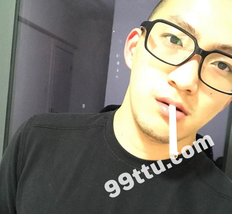 M42_男套图632照片+12视频(戴眼镜帅气男生同一个人微商朋友圈素材男士男神照片组)-3