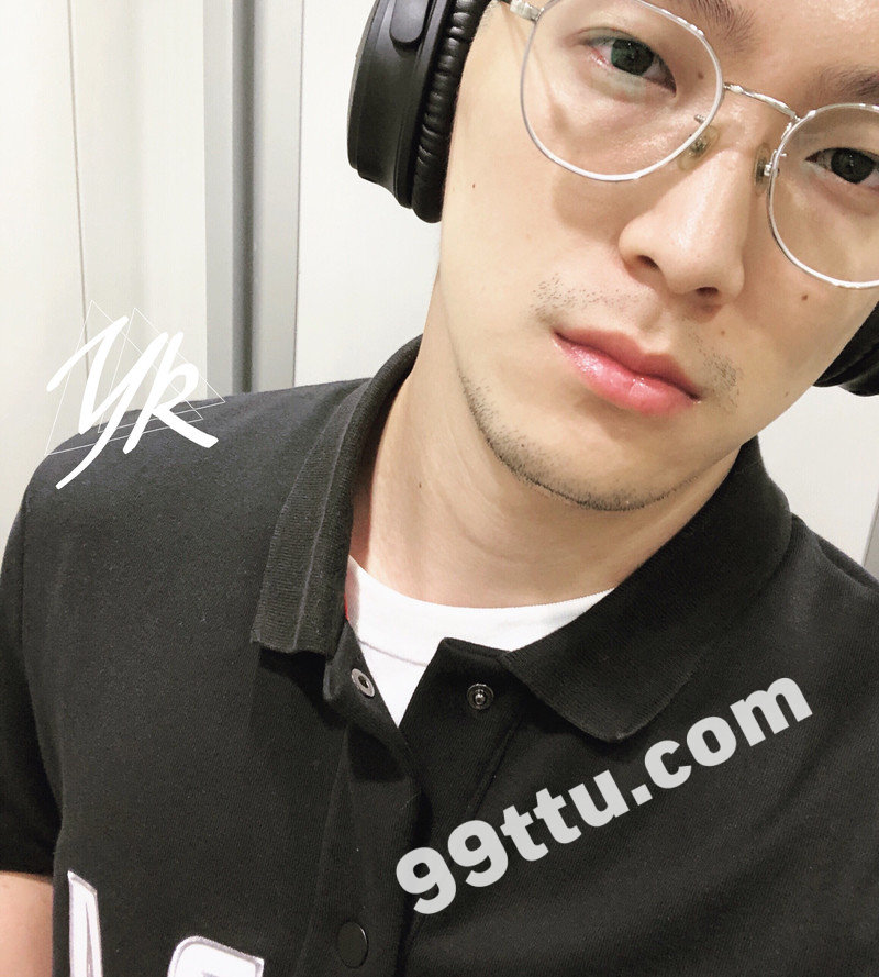 M42_男套图632照片+12视频(戴眼镜帅气男生同一个人微商朋友圈素材男士男神照片组)-12