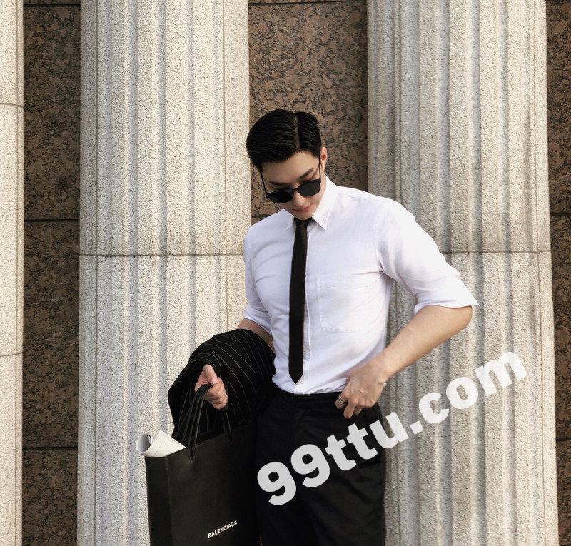 M54_男套图167照片(潮流英俊帅气男神自拍照高富帅同一个人朋友圈微商素材)-15