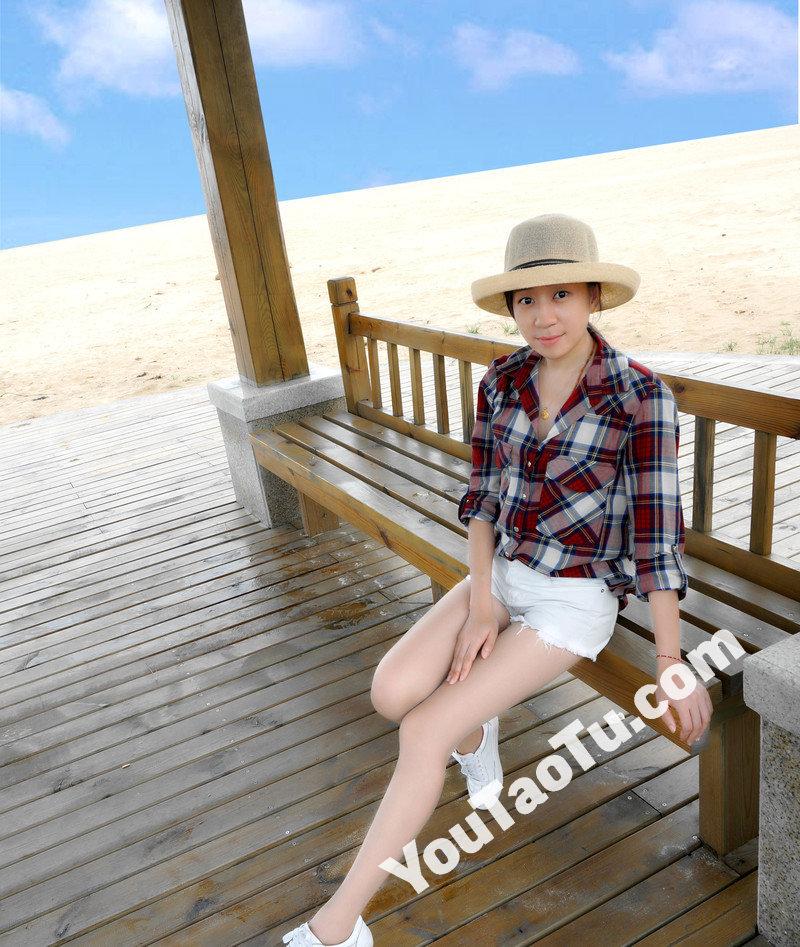 W32_女套图555照片+1视频(多腿照时尚性感诱惑可爱美腿丝袜—美女微信朋友圈整套一个人生活照)-1