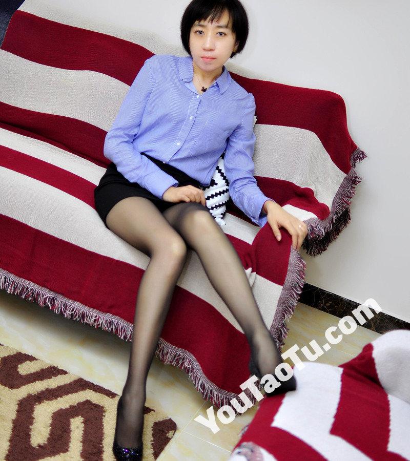 W32_女套图555照片+1视频(多腿照时尚性感诱惑可爱美腿丝袜—美女微信朋友圈整套一个人生活照)-5