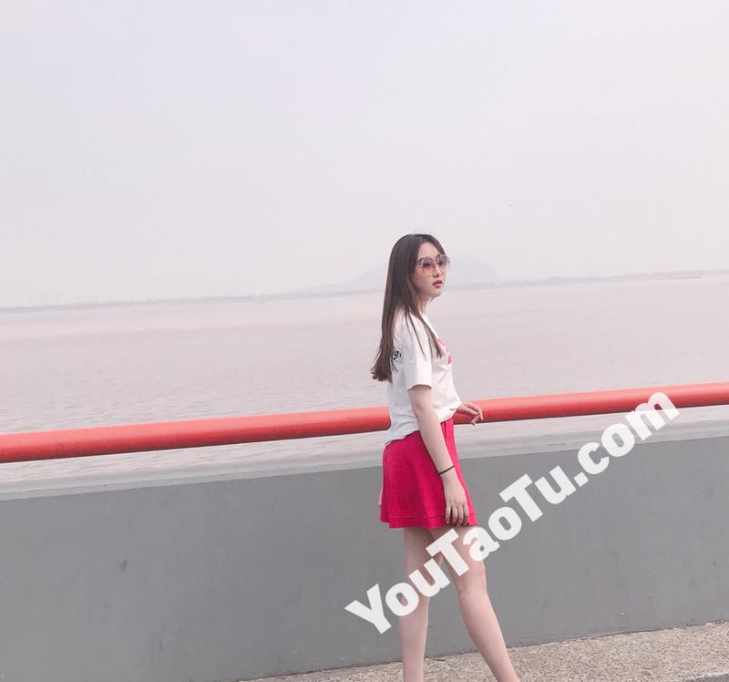 W68_女套图500照片+12视频(长腿青春美女 优秀学生女神主持人)-14