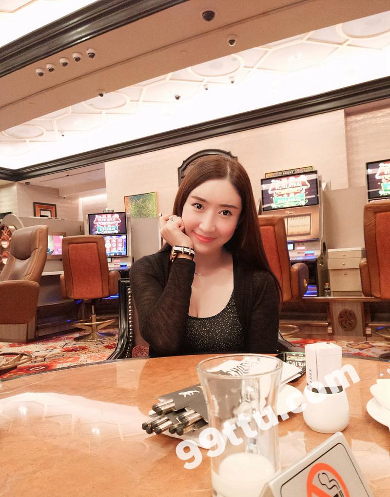 W71_女套图635照片+64视频(网红脸气质高冷白富美 有在车里照片)-9