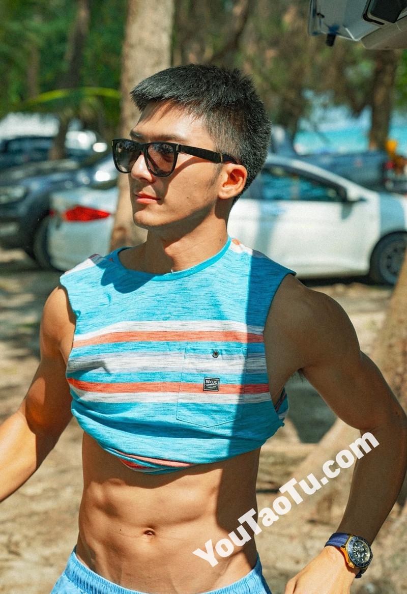 M84_男套图274照片(年轻帅哥好身材有腹肌男神自拍照 时尚青年男士成熟帅气模特照片)-9