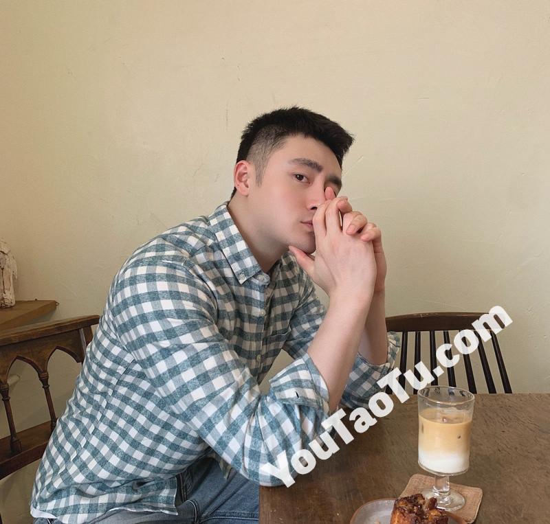 M93_男套图541照片+4视频(小鲜肉清爽干净小年轻小男神无水印高清自拍照 有和豪车合照 )-12