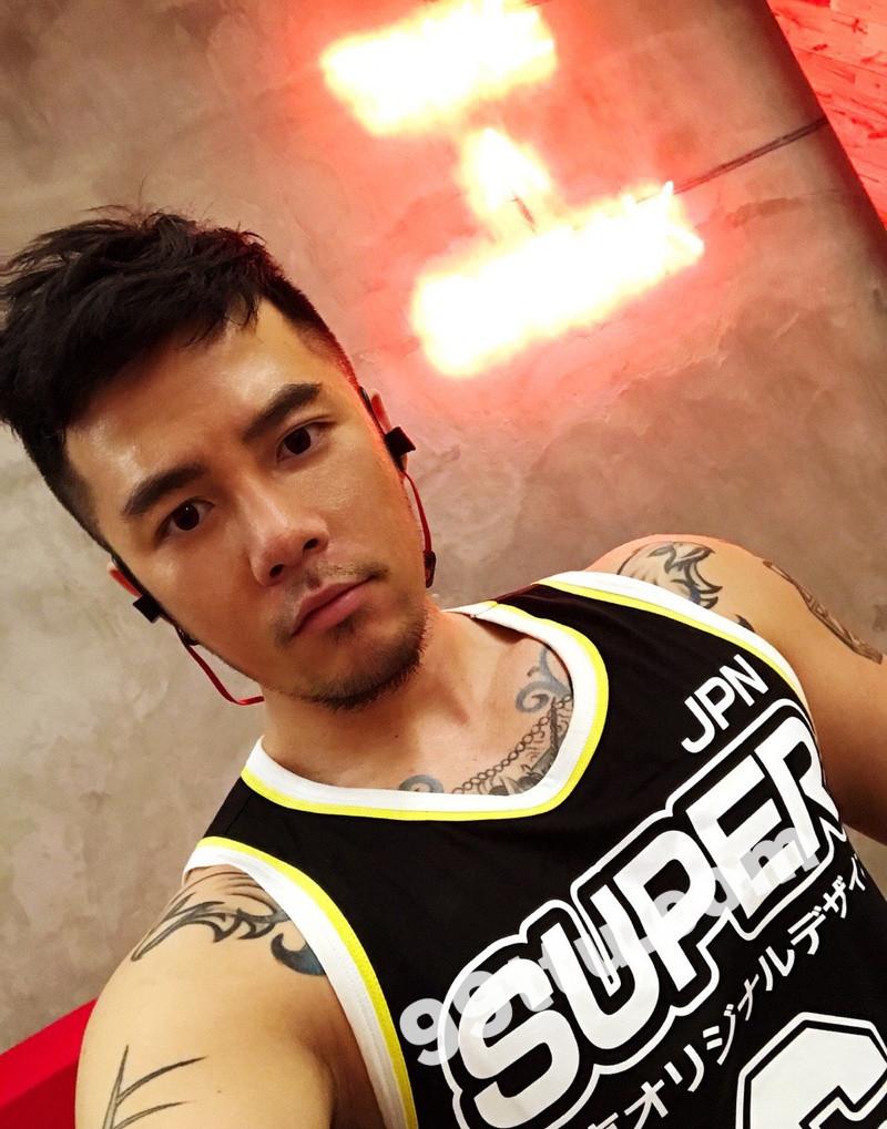 M96_男套图333照片+8视频(纹身男神 大腹肌有肌肉好身材男士形象照 帅气超man有男人味自拍照)-1