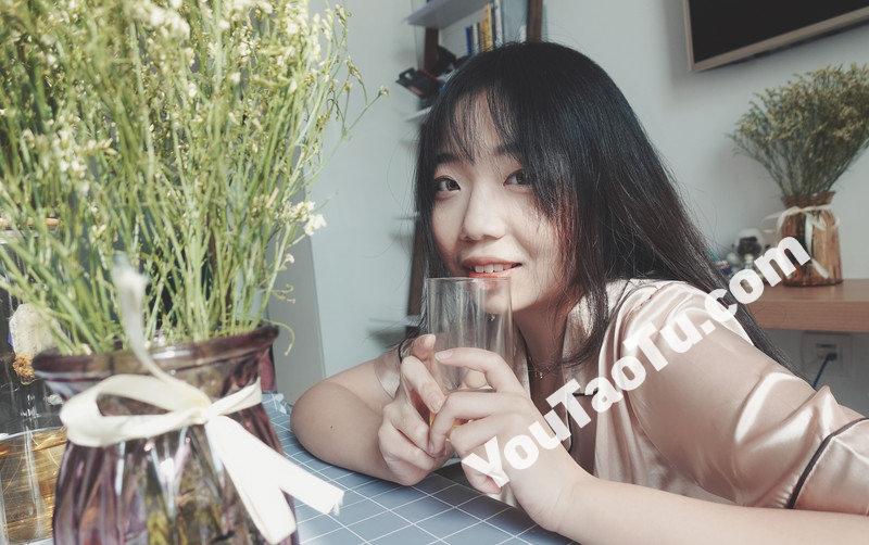 W101_女套图306照片+14视频(国外留学生小姐姐日常素材照微信朋友圈素材组图)-12