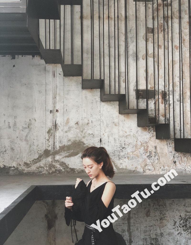 W74_女套图276照片+1视频(性感白富美旅游达人时尚美少女套图 女神无水印高清网恋照片组)-4