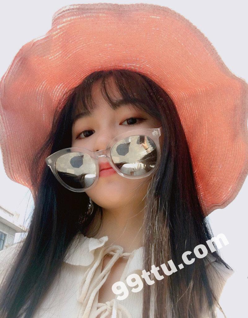 W76_女套图196照片(大学生女神清纯小姐姐形象照 自拍照同一个人旅游照片人物包装素材打包)-4