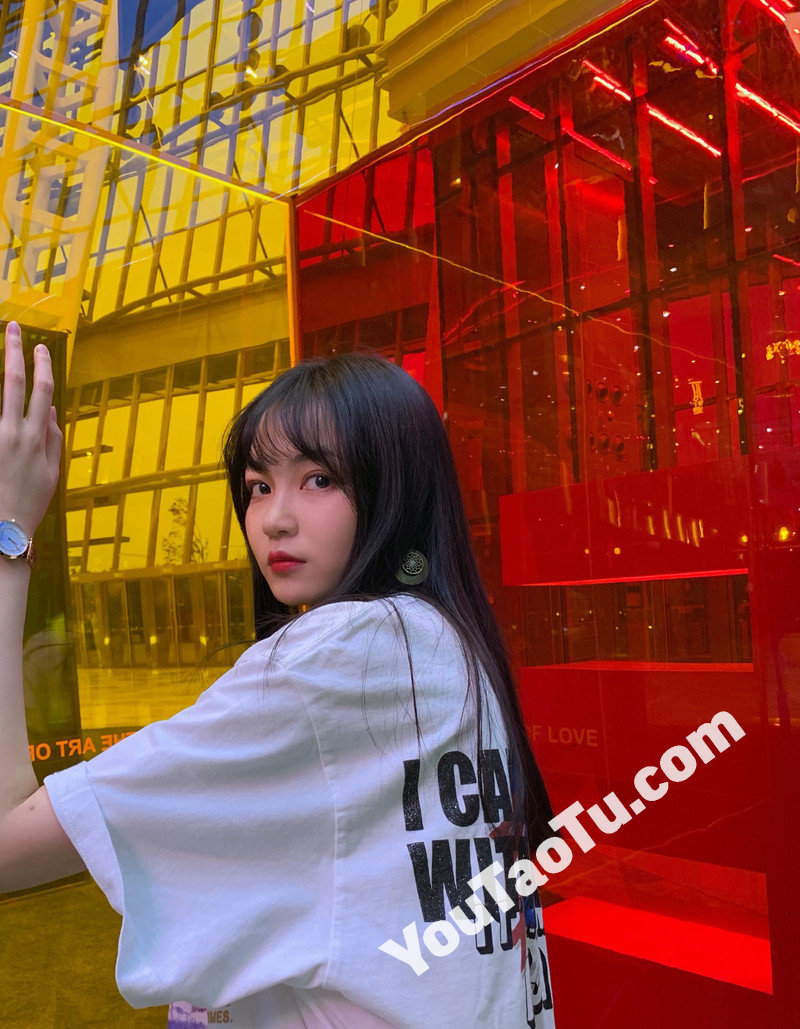 W76_女套图196照片(大学生女神清纯小姐姐形象照 自拍照同一个人旅游照片人物包装素材打包)-15