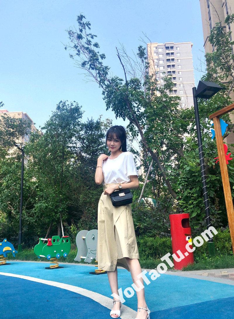 W76_女套图196照片(大学生女神清纯小姐姐形象照 自拍照同一个人旅游照片人物包装素材打包)-18