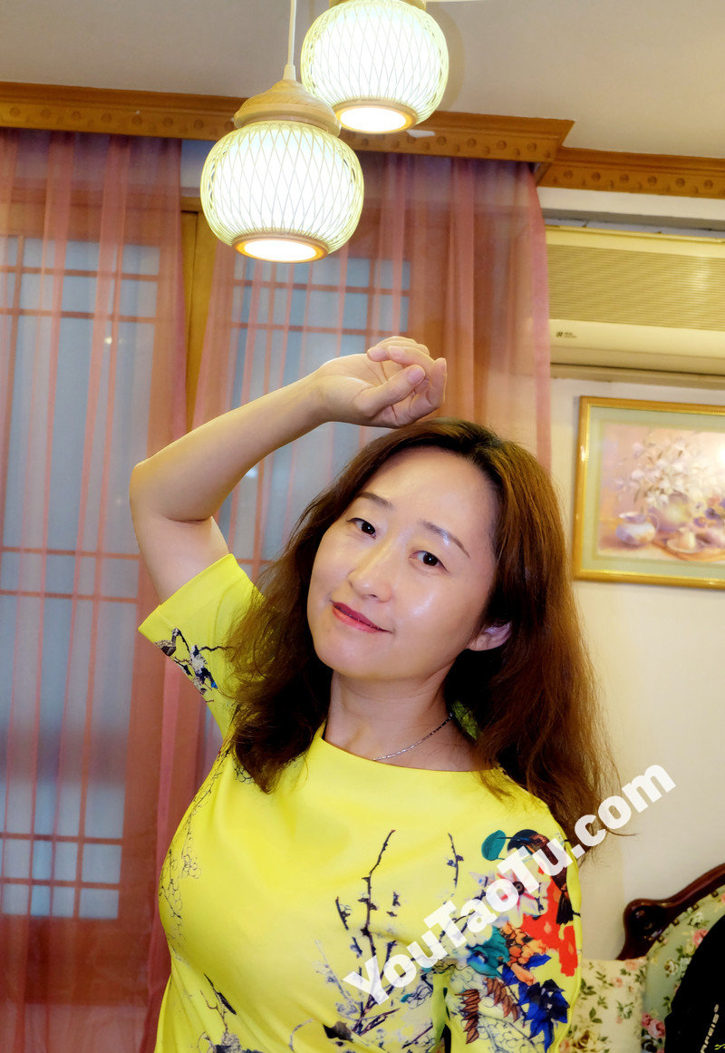 W83_女套图445照片(中年妇女同一个人生活照 中老年女人做微商成功高端形象照图片多张)-2