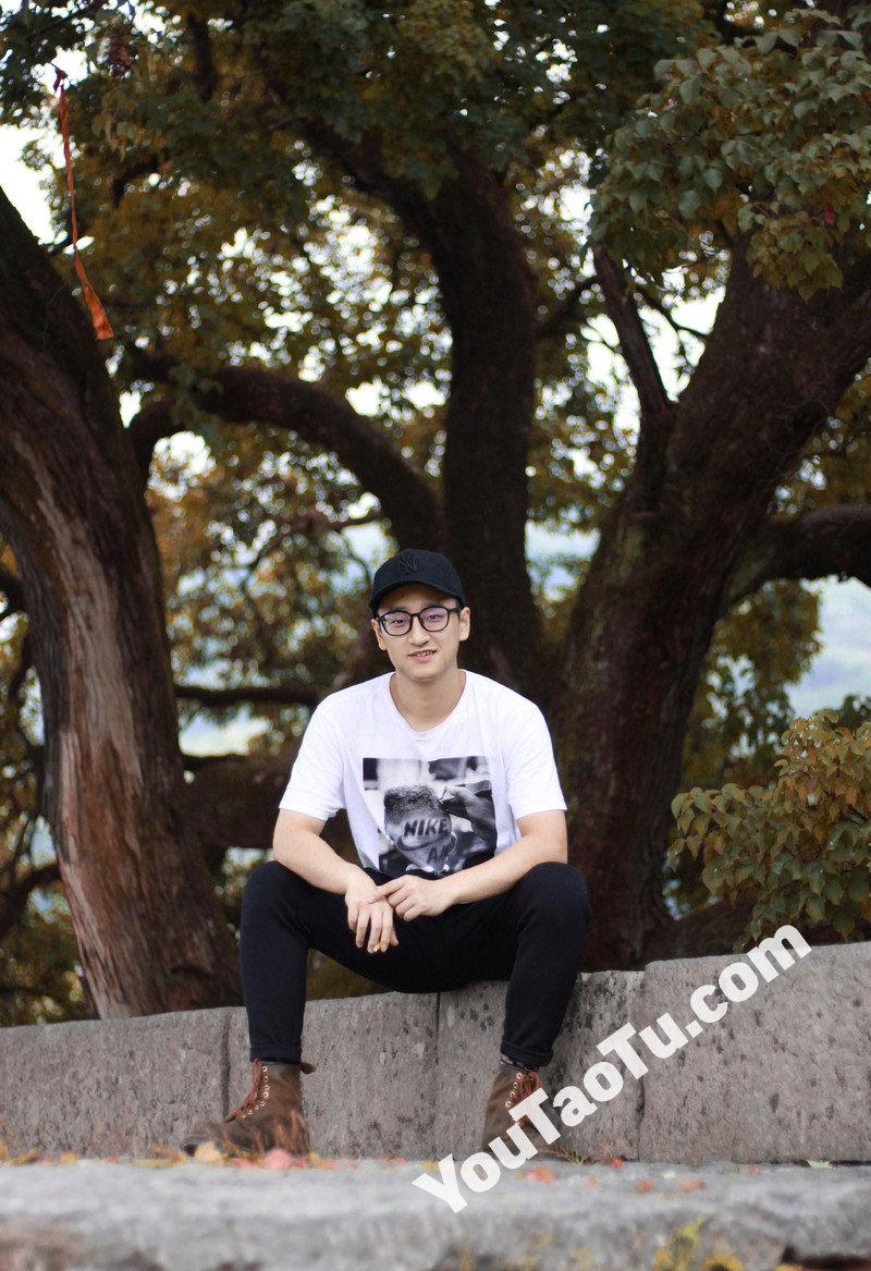 M111_男套图265照片(20岁左右好身材男士生活照 爱运动爱旅游男神自拍照)-8