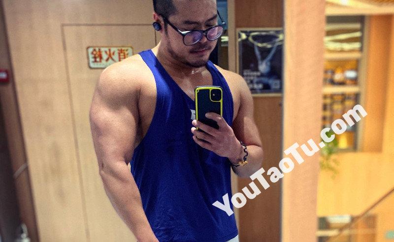 M142_男套图157照片+27视频(健身达人肌肉男大叔帅哥生活照、男士同一个人真实套图)-1